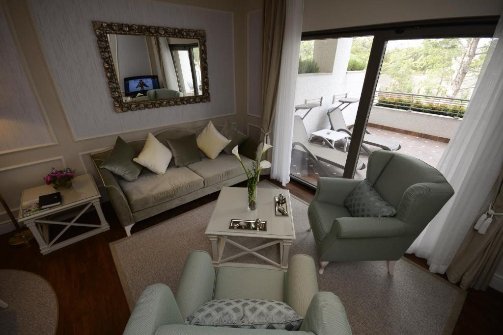Senior Suite Room | Улучшенный люкс